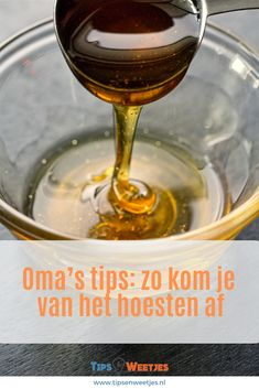 If you need a honey recipe to use up what you have OR wish to know how to substitute honey for sugar in baking recipes, you'll find what you need here! I'll teach you how to bake with honey instead of other sweeteners. Weight Watcher Desserts, Baking Tips, Baking Recipes, Drink Recipes, Cookie Recipes, Cooking With Honey, Manuka Honey Benefits, Aloe Vera Creme, Salsa Dulce