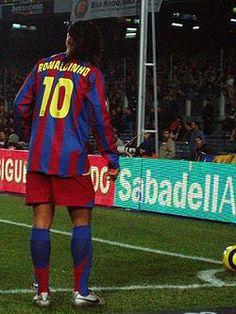 Nfl Football Players, Good Soccer Players, World Football, Neymar Jr, Fifa, Barcelona Fc, Football Brazil, Leonel Messi, E Sport