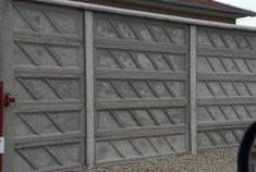 Kerítés magasság: 0,4-2,4m Oszlopok tengelytávolsága: 2,1m Oszlopméret 2m magasságnál: 274x14x14cm, súlya : 110kg /sarki és kezdő is/ Betétméret: 200x5x40cm súlya: 70kg Garage Doors, Outdoor Structures, Outdoor Decor, Carriage Doors