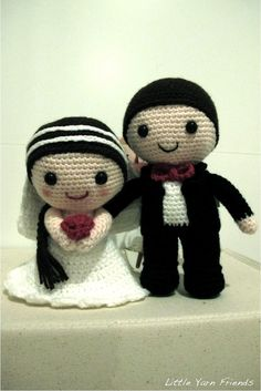 Lil' Wedding Dolls, bride and groom amigurumi crochet craft tutorial... how cute