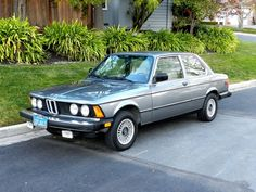 1982 BMW This reminds me very much of my Dad's first BMW which he bought when I was I can still recall the excitement (his and mine! Motor Yacht, Motor Car, Bmw E21, E30, Luxury Private Jets, Bmw Alpina, Bmw Classic Cars, Bmw Series, Skyline Gtr