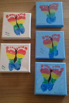 Sommerfuglefødder - Niecens fødder er foreviget. Du skal bruge et tålmodigt barn, fingermaling, lærreder og pensler.