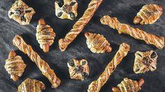 Občerstvení, co doslova mizí pod rukama! Zkuste 3 efektní rychlovky z listového těsta, sýra, špenátu a párečků