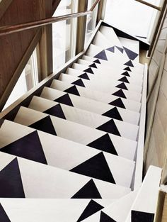 Colorful Stair Runners for Your Wooden Stairs: Unique Arrow Stair Runner Design Used Black And White Color Style Used Wooden Fence Decoration Ideas For Inspiration ~ SFXit Design Interior Inspiration Painted Staircases, Painted Stairs, Spiral Staircases, Wooden Stairs, Wooden Fence, Wooden Garden, Deco Cool, Interior Decorating, Interior Design