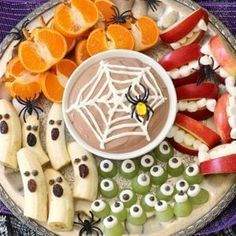 30 Awesome Halloween Party Ideas 30 Awesome Halloween Party Ideas Holiday Vault The post 30 Awesome Halloween Party Ideas appeared first on Halloween Desserts. Halloween Desserts, Buffet Halloween, Hallowen Food, Halloween Party Snacks, Healthy Halloween Treats, Halloween Appetizers, Halloween Goodies, Snacks Für Party, Fruit Snacks