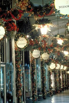Close your eyes and dream of England -    Christmas in Picadilly, London, England. I hope...