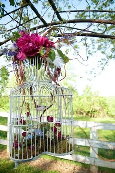 Birdcage arch! Floral design by Amy Potter | Country Way Floral & Event Design Studio    Photography by Genevieve Leiper