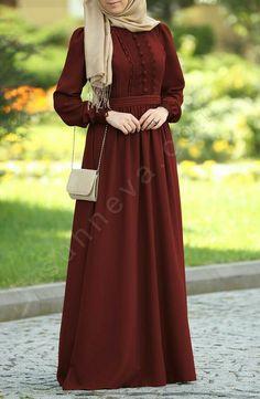 Dilbeste Dantel Elbise - Bordo That dress tho! Abaya Fashion, Modest Fashion, Fashion Dresses, Muslim Women Fashion, Islamic Fashion, Hijab Style Dress, Mode Abaya, Muslim Dress, Islamic Clothing