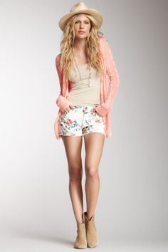 Print Denim Short, nice casual summer outfit. For me minus the hat:)