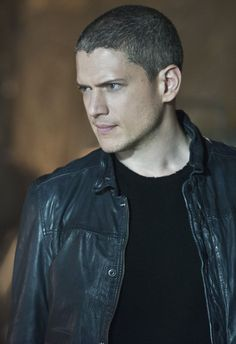 Leonard Snart | Captain Cold (Wentworth Miller in The Flash, Season 2, 2015)