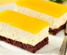 Cheesecake jelly slice - Starts at 60 Jelly Cheesecake, Lemon Cheesecake Bars, Jelly Slice, Law Carb, Delicious Desserts, Dessert Recipes, Dessert Original, Dessert Aux Fruits, Chocolate Biscuits