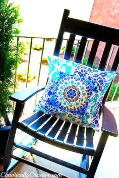 DIY Outdoor Pillow: Cheap Bed Pillow, Shower Curtain, & Table Cloth {Chaotically Creative}