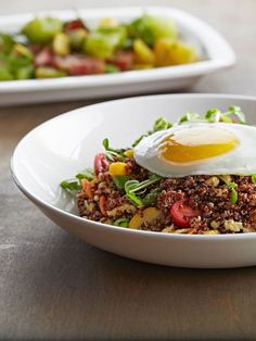 awesome Summer Quinoa Fried Rice w/ Egg / #pfcsummer   sounds perfect!...
