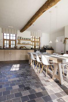 On apprivoise ou on relooke ce sol en terre cuite || On s'inspire du gout des Belges pour le style wabi sabi contemporain