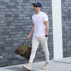 26 Best White T-Shirt Outfit Styles Every Man Loves to Try classy casual outfits for guys - Casual Outfit Classy Casual Outfits For Guys, Style Casual, Men Casual, Style Men, Fitz Huxley, Look Man, Mens Activewear, Fashion Outfits, Mens Fashion