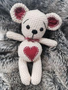 #amigurumi #crochet #teddybear #heart