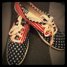 e5b80462fb10 Vintage Keds in Stars and Stripes! Size 8.5 EUC Keds in unique Stars and  Stripes