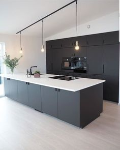 Modern dark home and decor ideas to Match Your Soul, You Must Try In 2020 - Page 40 of 75 - Life Tillage Open Plan Kitchen Living Room, Kitchen Room Design, Home Decor Kitchen, Interior Design Kitchen, Black Kitchens, Home Kitchens, Black Interior Design, Contemporary Kitchen Design, Cuisines Design