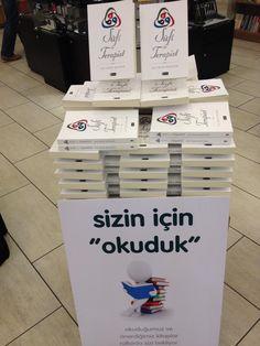 """Ali Rıza Bayzan'ın 1993'ten beri üzerinde çalıştığı """"Sufi ile Terapist"""" adlı kitabı Etkileşim Yayınları'nda çıktı."""