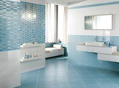 kleines badezimmer mit glasdusche horizontale streifen in wei und mintgr n haus pinterest. Black Bedroom Furniture Sets. Home Design Ideas