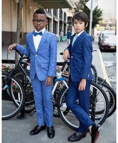 Spring is on it's way, and we are loving these new looks from TO Collection. Style + Class👌 Models: Left: @cheikhtmbaye ⬅️ Right: @sebastian.y.l ⬅️ 📸@creativesoulphoto ⬅️ Follow us for the latest in Boy's Style, Fashion, Trends, Talent: www.boysstylemagazine.com #boysfashion #designer #boysstylemag #tocollection