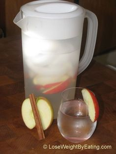Day Spa Apple Cinnamon Water- 0 calories « Lose Weight by Eating! - Day Spa Apple Cinnamon Water- 0 calories « Lose Weight by Eating! Detox Drinks, Healthy Drinks, Get Healthy, Healthy Tips, Healthy Choices, Healthy Snacks, Healthy Recipes, Breakfast Healthy, Diet Recipes