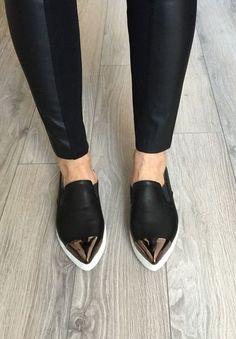Zapatos perfectos para el antro si odias usar tacones