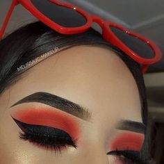 Living for these ? vibes Red Winged Eyeliner Eyeshadow Look / Red Heart Sunglasses Living for these ? vibes Red Winged Eyeliner Eyeshadow Look / Red Heart Sunglasses Makeup Geek, Skin Makeup, Makeup Inspo, Eyeshadow Makeup, Eyeshadow Tips, Pink Eyeshadow, Eyeshadows, Rot Eyeliner, Winged Eyeliner