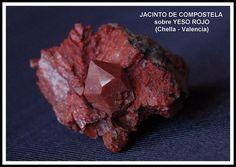 Jacinto de Compostela - Red quartz (Chella, Valencia)