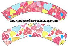 http://fazendoanossafesta.com.br/2012/06/dia-dos-namorados-kit-completo-com-molduras-para-convites-rotulos-para-guloseimas-lembrancinhas-e-imagens.html