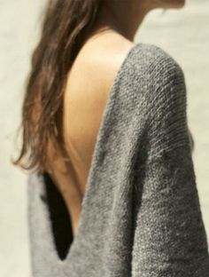 open back oversized grey knit sweater //pull gris joli dos Chic Look Fashion, Fashion Beauty, Womens Fashion, Fashion Details, Urban Fashion, Fashion Design, Fashion Trends, Mode Style, Style Me