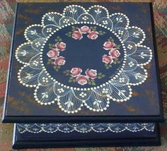 Tiny pink roses surrounded by hand painted lace were painted by Val de Vries (South Australia) on this wooden box. Lace Painting, Dot Painting, Painting On Wood, Tole Decorative Paintings, Tole Painting Patterns, Wood Patterns, Henna Patterns, Painted Boxes, Hand Painted
