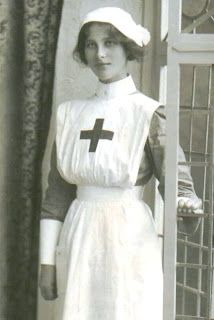 Helen Uffner Vintage Clothing: WWI nurse uniform.