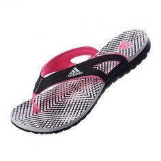Disfruta del calor y el verano con las Sandalias Calo de Adidas confeccionadas con tecnología EVA te ayudarán a mantenerte cómoda y fresca para que disfrutes de tu día en la playa, entrenamiento en la alberca o simplemente un día caluroso.