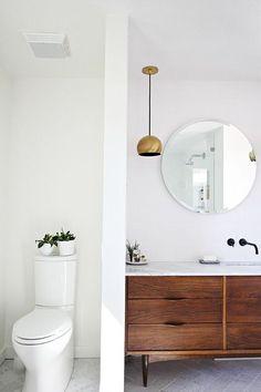 56 Mid Century Modern Bathroom Fixtures Design - Have Fun Decor - Mid Century Modern Bathroom Fixtures 54 - Bathroom Toilets, Bathroom Renos, Laundry In Bathroom, Bathroom Fixtures, Bathroom Renovations, Bathroom Interior, Bathroom Ideas, Brass Bathroom, Bathroom Mirrors