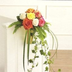 Free flower tutorials by a professional wedding florist.  See all the decorating tips and buy professional florist supplies!