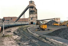 Calverton colliery, with railtour behind a class 20 Steam Railway, Coal Mining, Steam Engine, Nottingham, Team Building, Britain, Diesel, Past, English