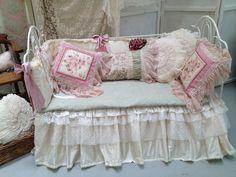 Mix of cushions.