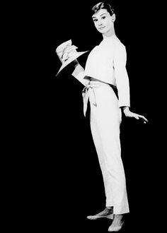 Les Icônes du 7ème Art: Audrey Hepburn en noir et blanc (série 03 ).