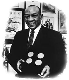 Jessie Owens James Cleveland, Jesse Owens, Long Jump, Ohio State University, World Of Sports, Summer Olympics, Track And Field, Olympians, Back In The Day