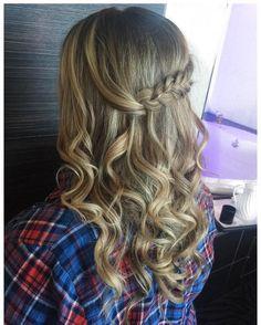 Beautiful #stylesandthecitybeauty #hairstyle by @hairbykbez at #fantasylandhotel #bridesmaidhair #bridesmaid #braid