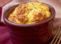 Découvrez cette recette de soufflé aux pommes de terre et au poisson. Un plat principal à savourer avec une salade verte !