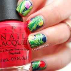 Tropical Hawaiian Print Nails