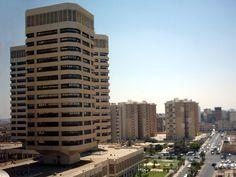 * Trípoli *  Capital da Líbia. População: 940.653 habitantes (em 2012).