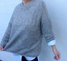 Ravelry: Spacious pattern by Lone Kjeldsen Jumper Knitting Pattern, Easy Knitting, Crochet Patron, Knit Crochet, Oversize Pullover, Angora, Roll Neck Sweater, Sweater Weather, Knitting Projects