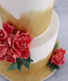 Wednesday prettiness.. Sugar flowers  www.redapron.com.au New Cake, Sugar Flowers, Panna Cotta, Cakes, Ethnic Recipes, Wednesday, Desserts, Food, Tailgate Desserts