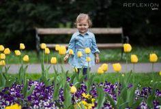 #kid #girl #flowers #park #spring