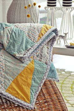 luzia pimpinella BLOG | #DIY | triangle quilt finished!