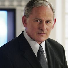 """""""I believe that acting in any medium is the same thing it's discovering the truth in where you are."""" - Victor Garber #victorgarber #titanic #theflash #legendsoftomorrow #alias  Existem muitas formas de ver Cinema. Visite agora o blog Mundo de Cinema em http://ift.tt/1R7HDEj"""
