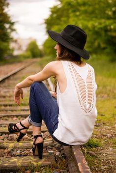 Shop this look on Kaleidoscope (shirt, hat, sandals)  http://kalei.do/WtCd0afHKUvk7384